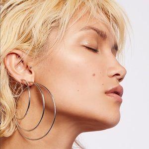 Free People🌙 Hoop Earring Set
